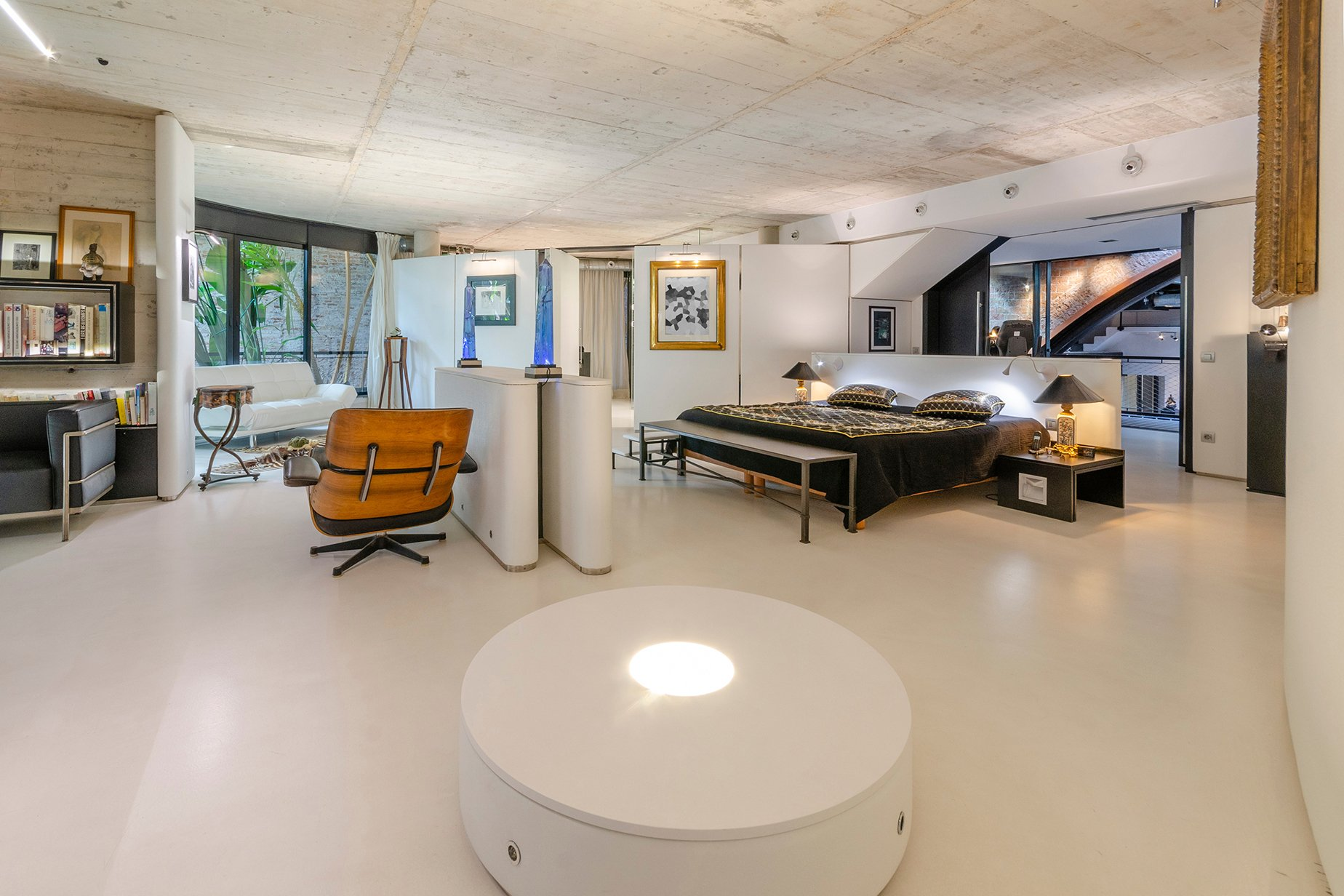 An Architectural Delight In The Innovation And Tech Hub Of Barcelona Bedroom