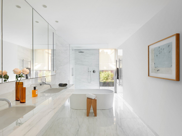 Luxurious Property Designed By Carlos Ferrater Bathroom