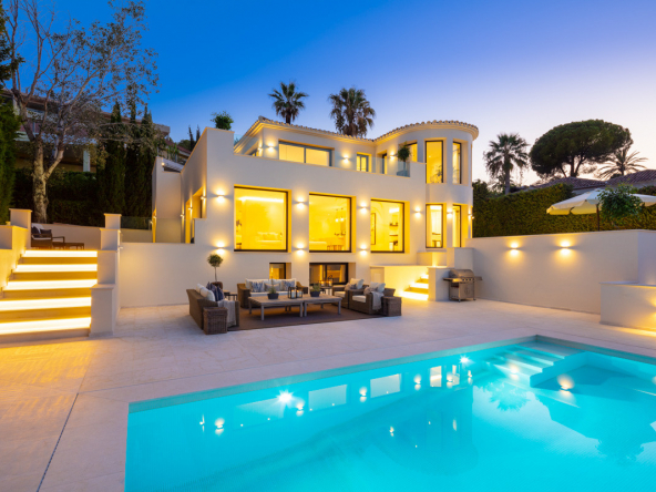 Fully Modernised Luxury Villa in Nueva Andalucia Pool