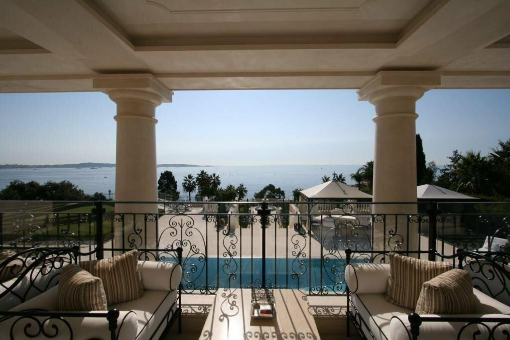 Property in Cannes with Sea View Balcony