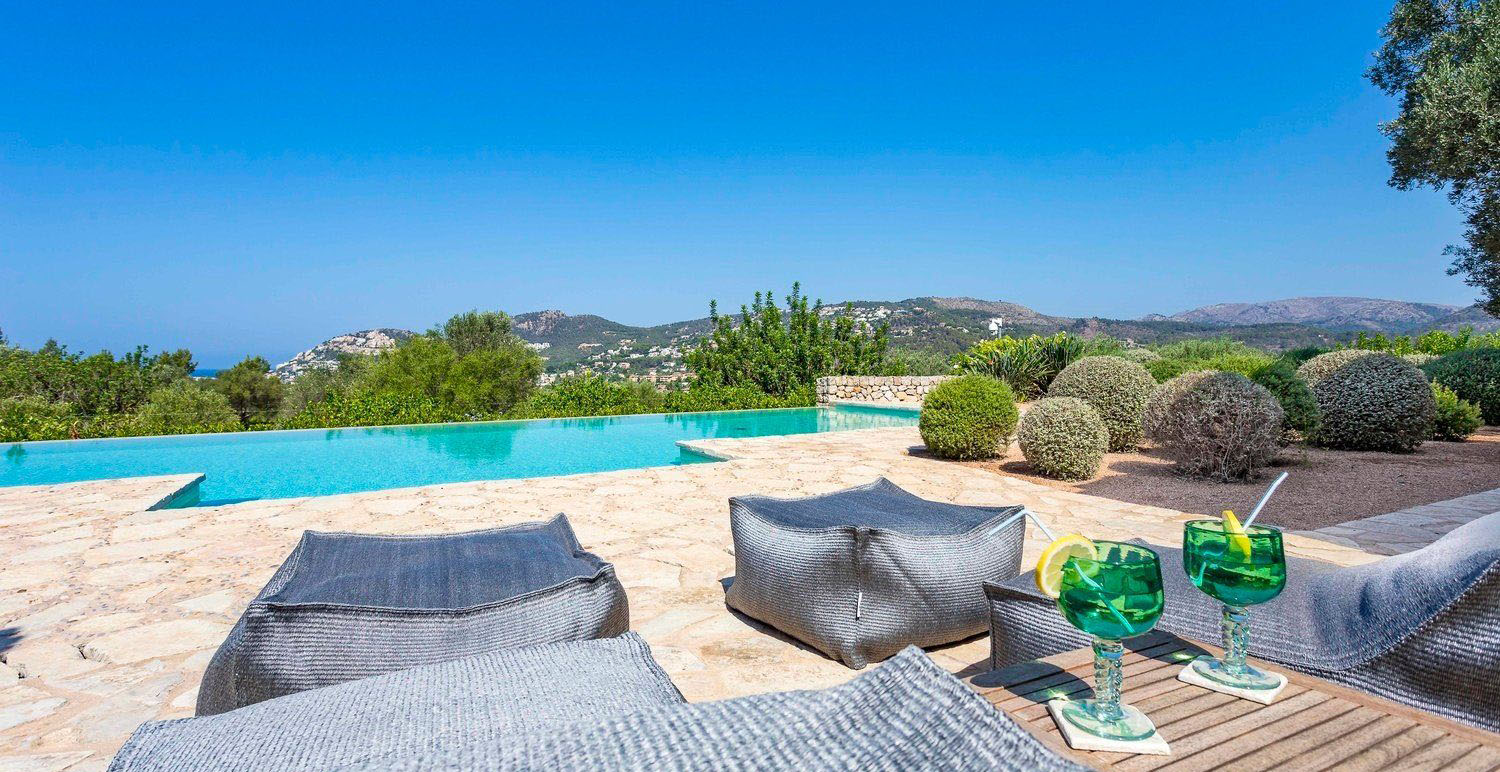 Exceptional Finca Close to Port Andratx Lounge