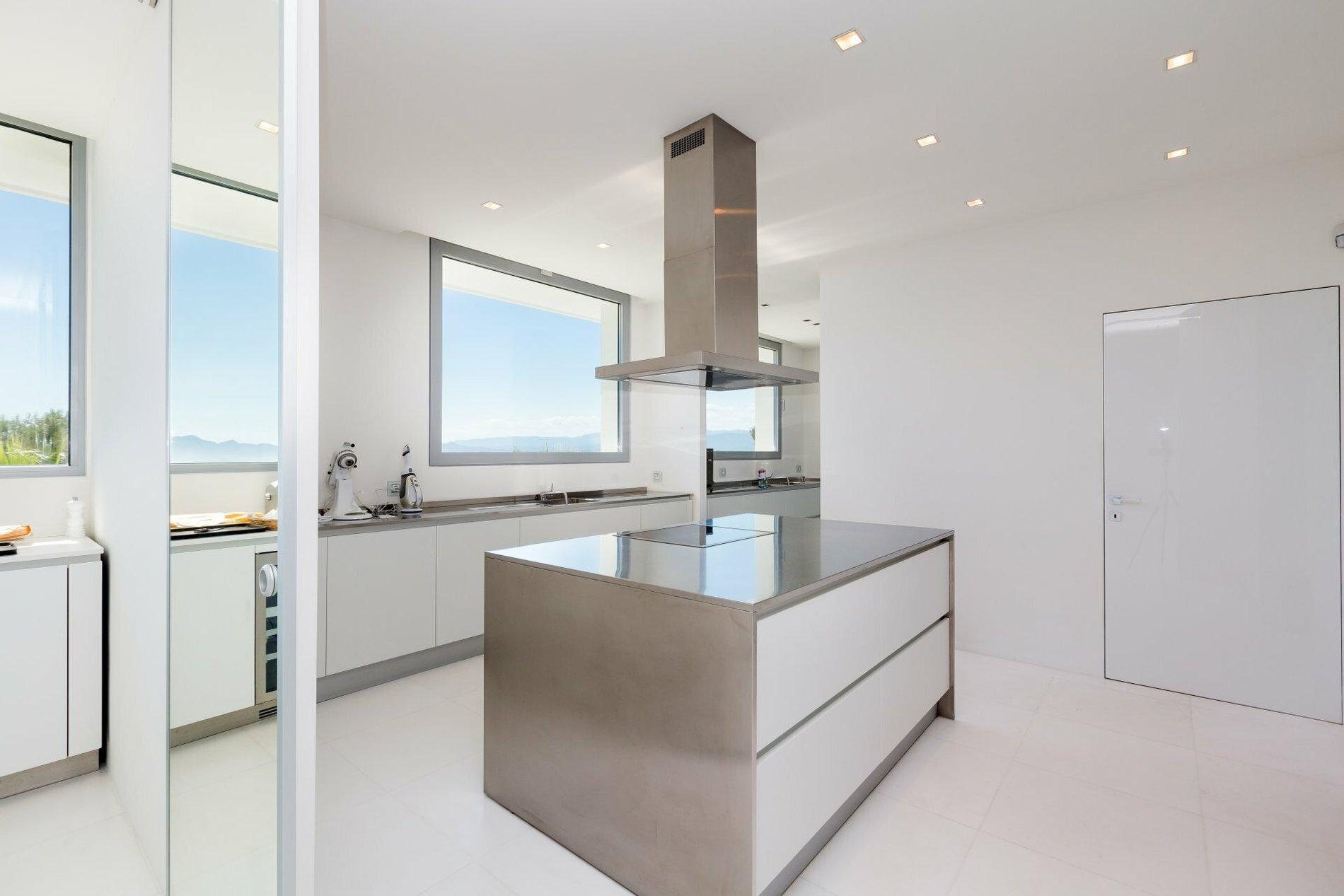 Villa in the Heights of Cannes Kitchen