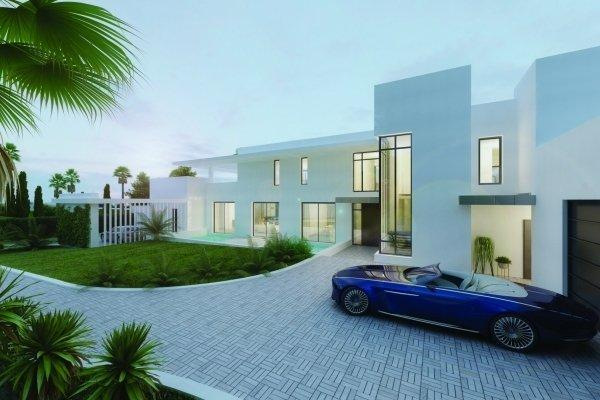 Most Luxurious Contemporary Property in Sotogrande Driveway