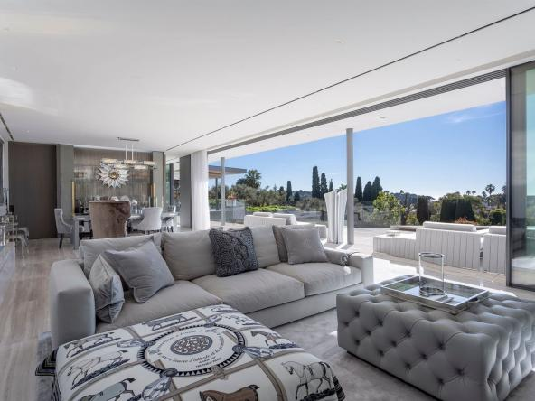 Luxurious Contemporary Villa in The Heart Of The Cap D'antibes Living Room