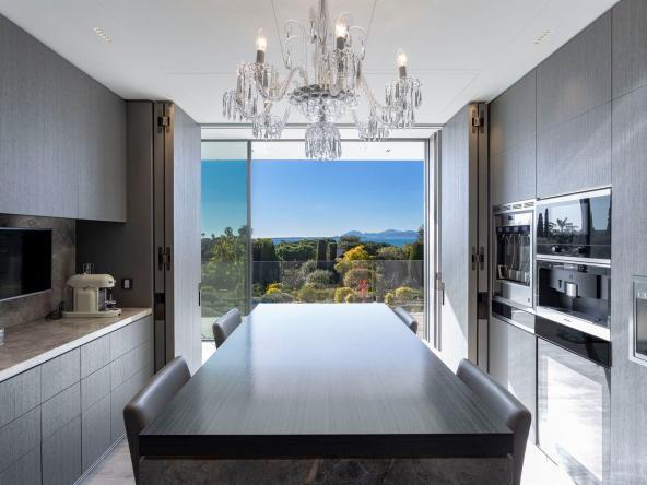 Luxurious Contemporary Villa in The Heart Of The Cap D'antibes Kitchen
