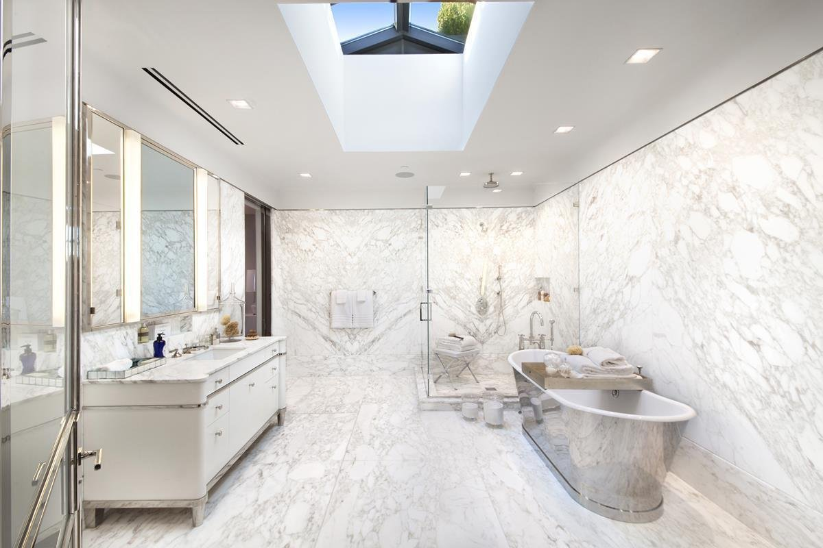 Unparalleled Private Penthhouse Bathroom