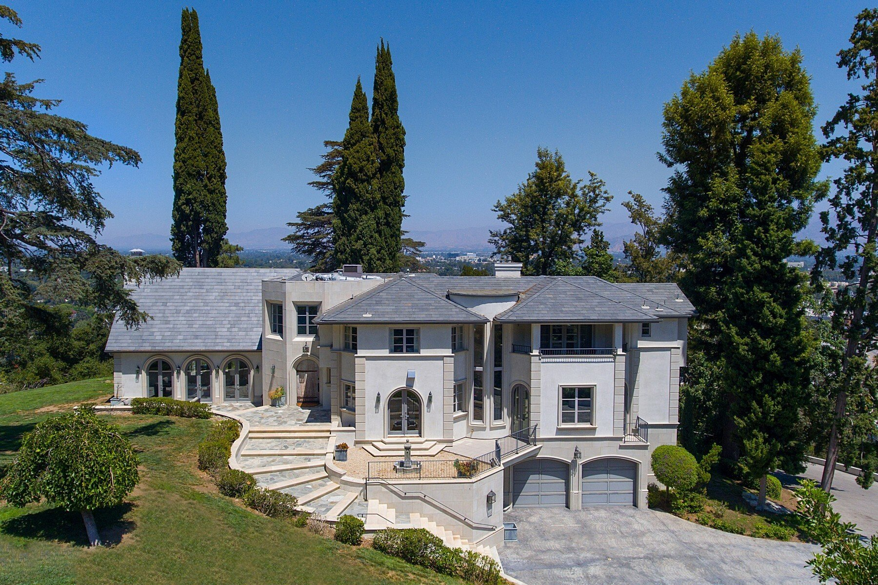 French Chateau in San Fernando Valley Driveway